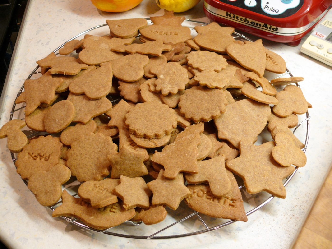 Hamburg Brown Cake - a traditional North German Christmas cookie