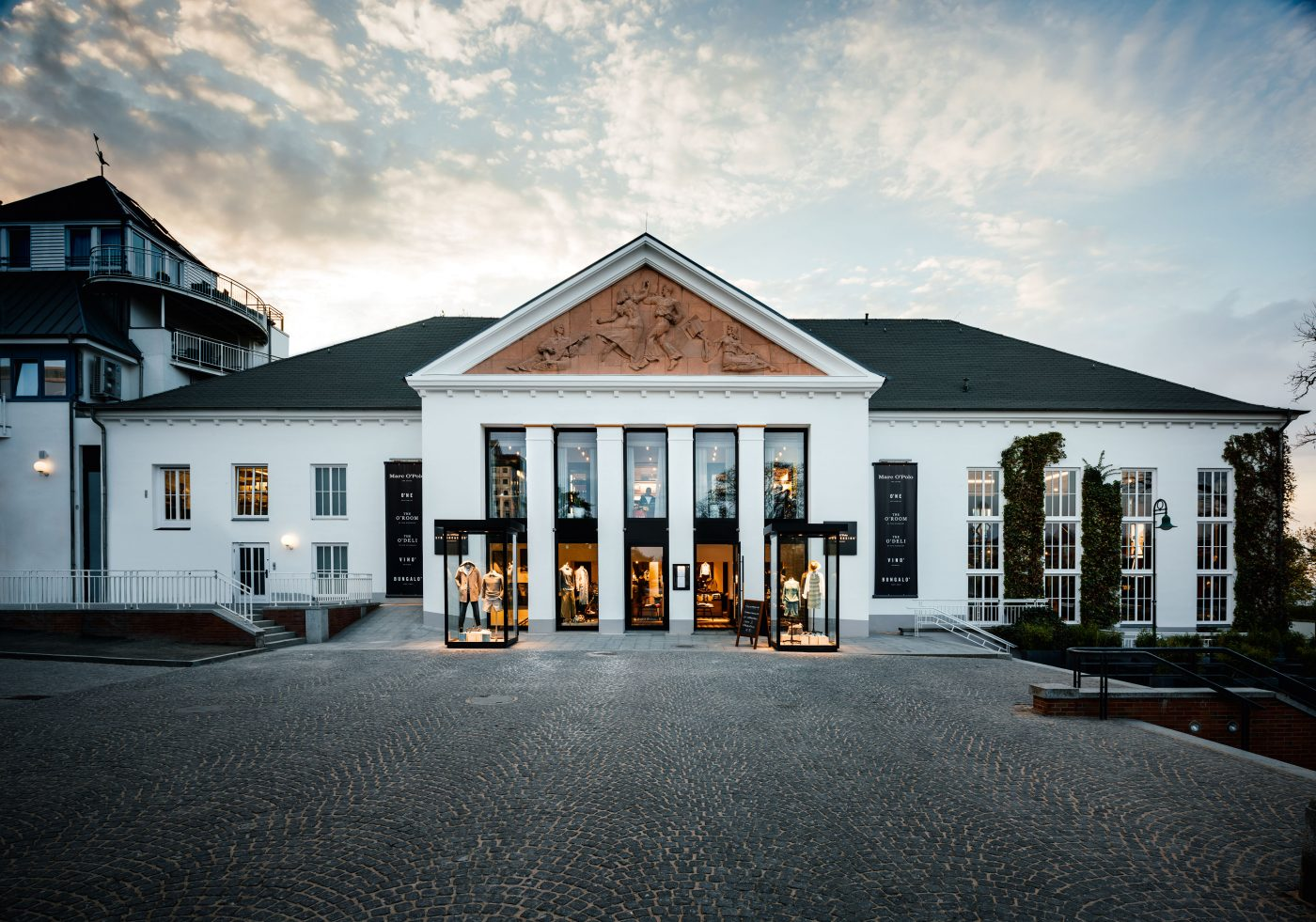 Exterior view of the Marc O'Polo beach casino in Herigsdorf on the island of Usedom