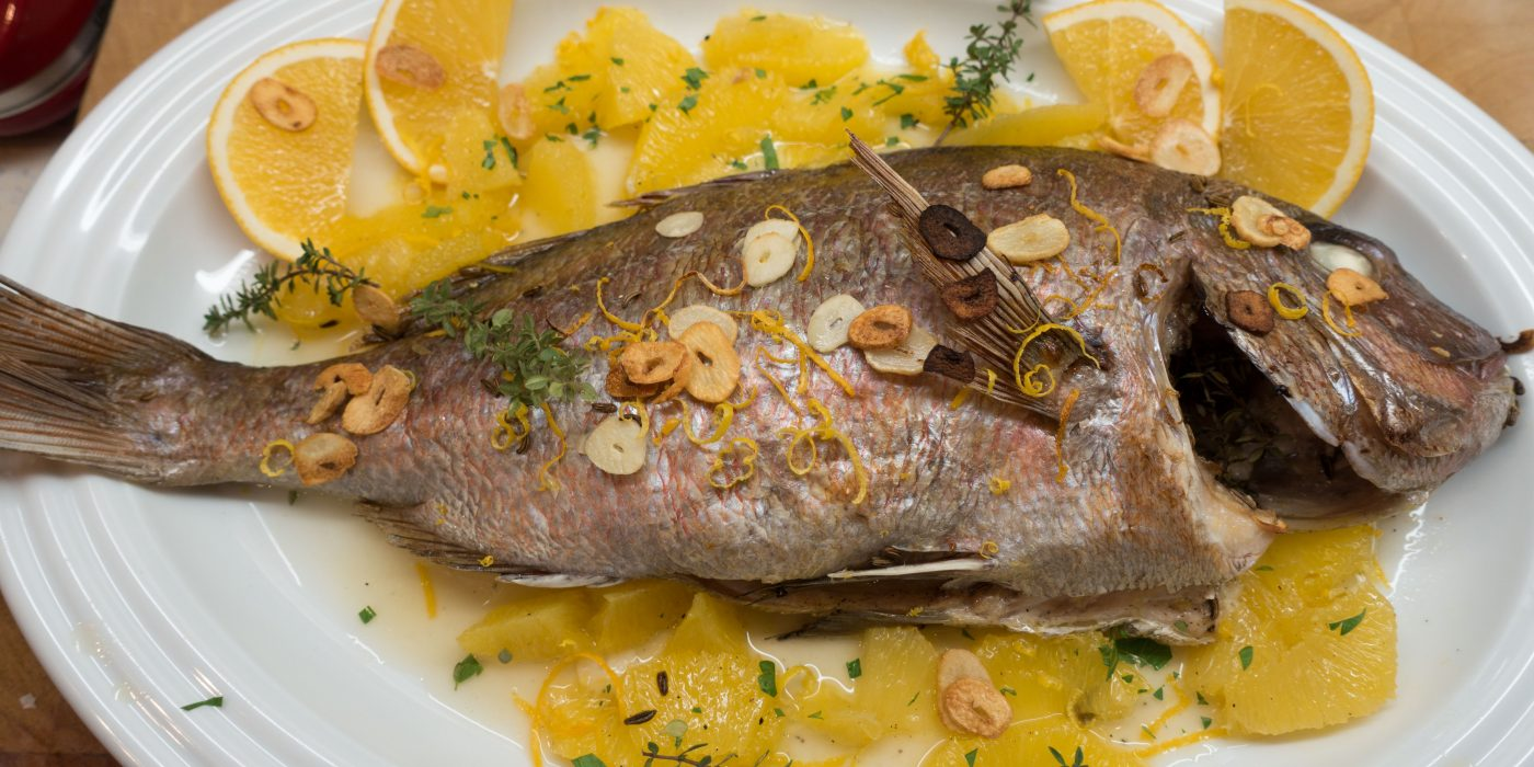 Dorade in Orangen-Knoblauch-Sauce / Dorade with orange and garlic sauce