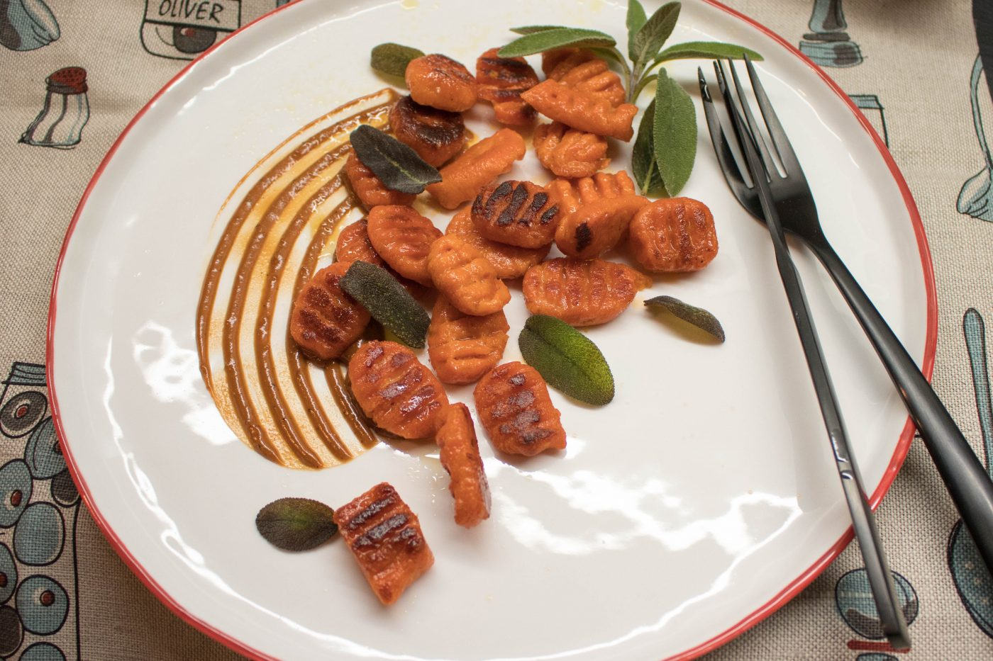 Tomaten-Gnocchi mit Chorizo-Sauce