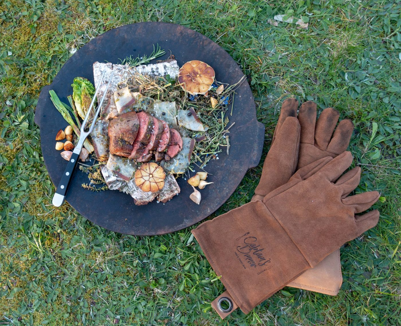 BBQ in May: Roast venison on hay